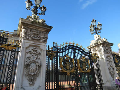 170117_gian02_buckingham-palace-entrance